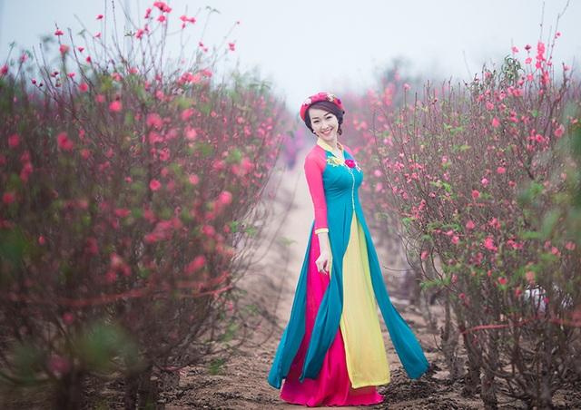 Độc đáo trang phục áo dài kết hợp áo tứ thân của cô gái Hà Nội - 9