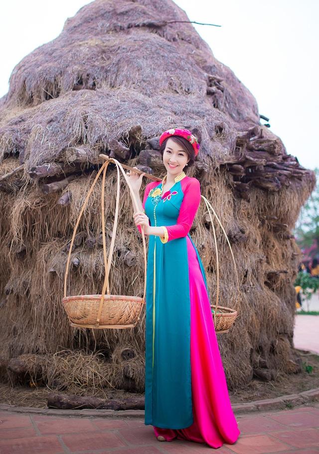 Độc đáo trang phục áo dài kết hợp áo tứ thân của cô gái Hà Nội - 10