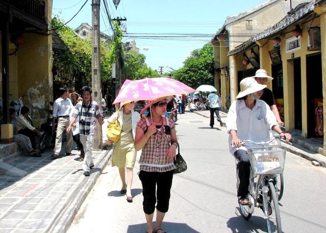 Từ ngày 12/4, TP Hội An mở rộng không gian trong phố cổ dành cho người đi bộ và xe không động cơ