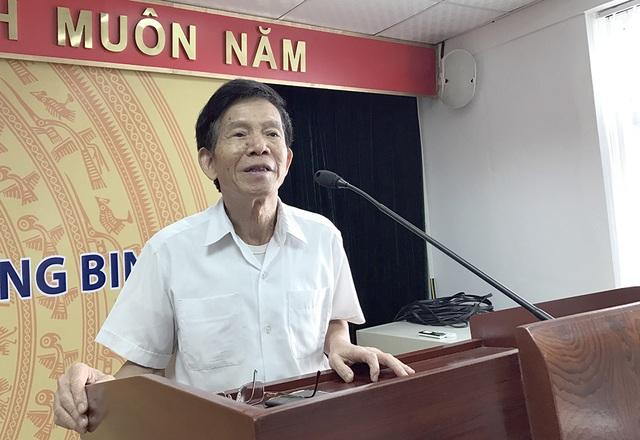 Nhà báo Lê Đức Tuấn - nguyên phóng viên báo Quân đội Nhân Dân chia sẻ tại buổi tọa đàm