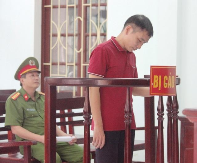 Bị cáo Đinh Trọng Tấn trước vành móng ngựa