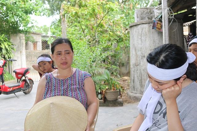 Chị Lê Thị Hoài xót xa khi nói về hoàn cảnh của 4 đứa con chị Đào.