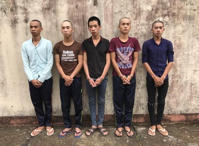Các đối tượng vừa bị cơ quan công an huyện Phú Quốc bắt giữ về hành vi cướp giật tài sản