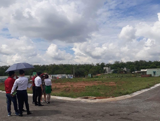 Mua đất quận 9 TPHCM, cò dẫn xuống tận... Đồng Nai