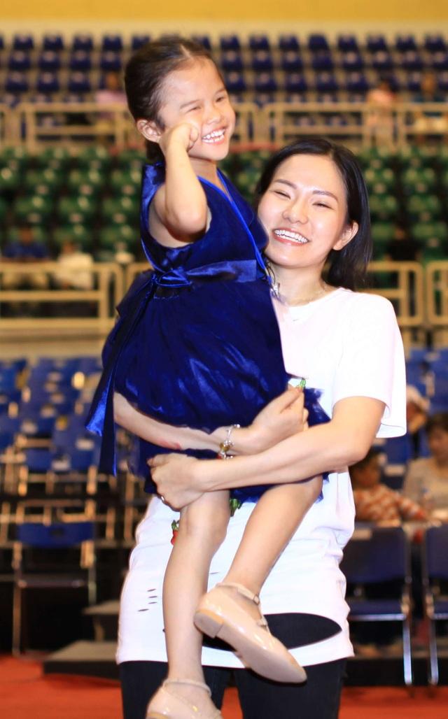 Nụ cười rạng rỡ của vợ cũ Lâm Vinh Hải