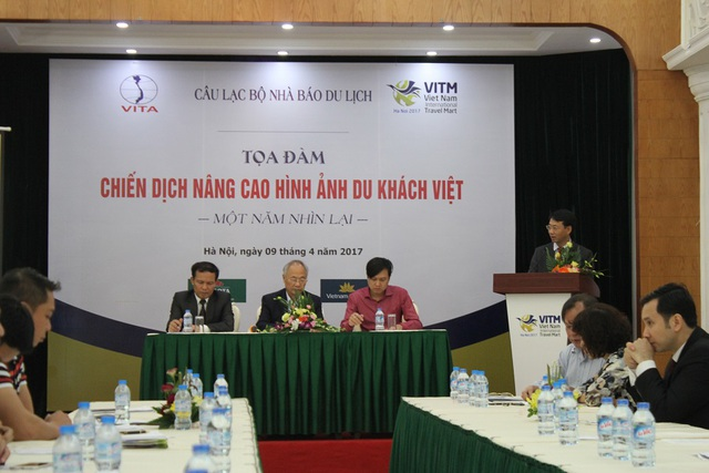 Nhiều doanh nghiệp tham gia hội thảo cho rằng cần có chế tài xử phạt, mang tính răn đe để chấn chỉnh những hành vi chưa đẹp khi đi du lịch.