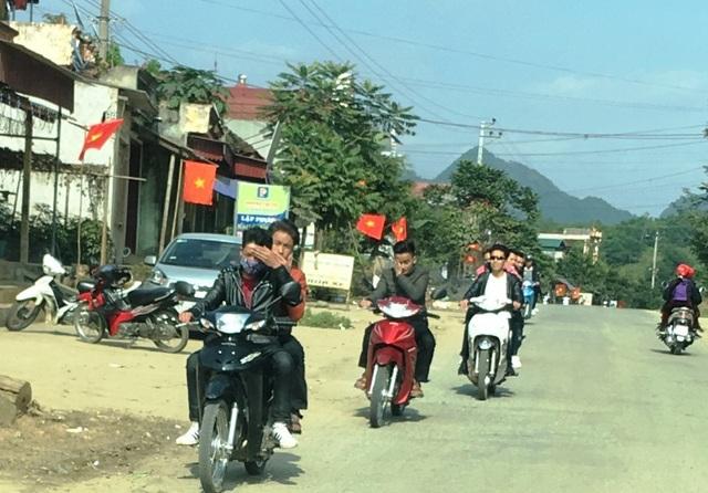 Ngày Tết nhan nhản cảnh người tham gia giao thông không tuân thủ luật - 11