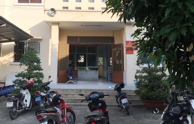 Trụ sở Công an phường Tam Bình (nằm cùng khuôn viên trụ sở UBND phường Tam Bình, quận Thủ Đức), nơi xảy ra vụ việc người đàn ông nghi siết cổ tự tử.