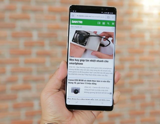 Điểm mặt smartphone màn hình tràn viền bán tại Việt Nam trong năm 2017 - 3
