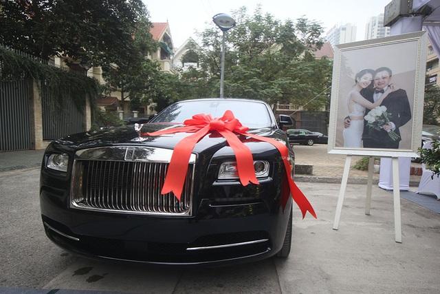 Còn đây là quà cưới cho vợ của chú rể Doãn Phương tại Hà Nội.