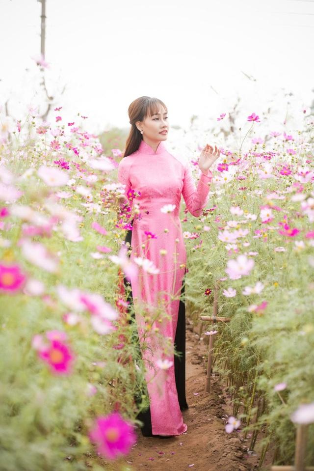 """Á hậu Kim Duyên tự tin diện áo dài sau nghi án """"dao kéo"""" vòng 3 - 14"""
