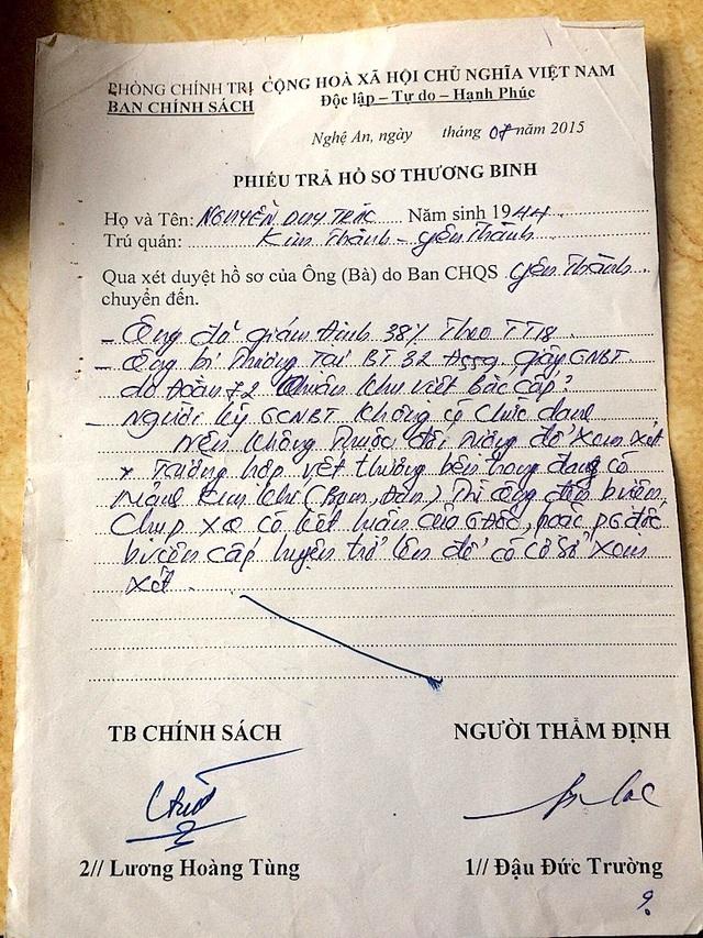 Phiếu trả hồ sơ thương binh ghi sơ sài, không có dấu đỏ.