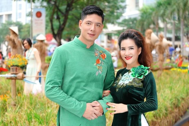 Vợ chồng diễn viên Bình Minh hạnh phúc ngày càng viên mãn sau khi trải qua nhiều sóng gió trong hôn nhân.