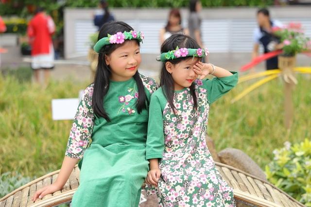 Những khoảnh khắc đẹp của Bình Minh bên gia đình ngày Xuân - 5