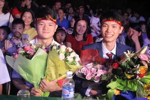 2 học sinh xuất sắc giành giải cao tại đấu trường quốc tế.