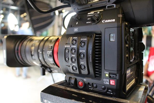 Canon bán máy quay chuyên nghiệp EOS C200 giá gần 200 triệu đồng tại Việt Nam - 3