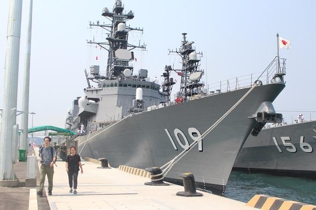 2 tàu huấn luyện của lực lượng tự vệ trên biển Nhật Bản thăm Cảng Quốc tế Cam Ranh