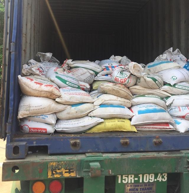 Hơn 20 tấn quặng không có giấy tờ hợp pháp.
