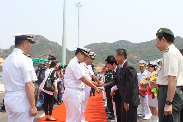 Lễ đón thủy thủ đoàn 2 tàu huấn luyện của lực lượng tự vệ trên biển Nhật Bản