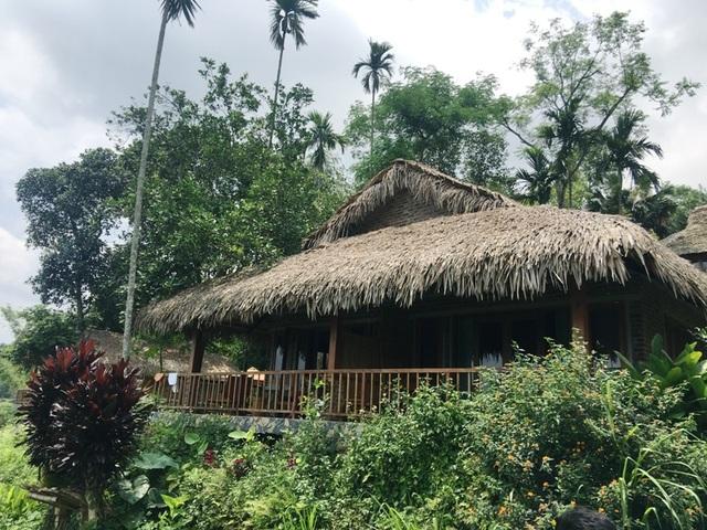 Theo báo cáo của UBND huyện Bá Thước, tuy chưa có quy hoạch phát triển du lịch sinh thái, nhưng một số cá nhân đã đến mua đất ở của dân, xây dựng các công trình
