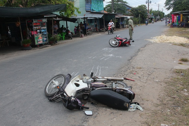 Hiện trường vụ va chạm giữa hai xe máy làm ông Nguyễn Văn Ba tử vong