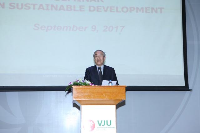 GS.TS. Furuta Motoo Hiệu trưởng của Trường Đại học Việt Nhật