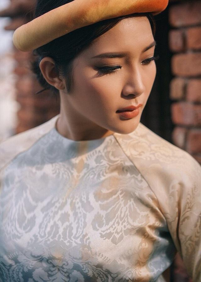 Yan My từng trải qua những năm tháng dài tuổi thơ cơ cực mới có được ngày hôm nay.