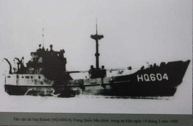 Tàu HQ 604 bị bắn chìm trong sự kiện 14/3/1988 được trưng bày tại bảo tàng ngầm Gạc Ma