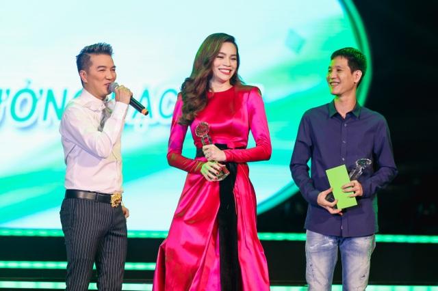 Dự án đặc biệt được trao cho nữ ca sĩ Hồ Ngọc Hà cùng ê-kíp của mình với dự án Love songs. Dự án này bao gồm 2 liveshow (TPHCM và Hà Nội) và 1 album Love songs 3 – Gửi người yêu cũ cùng phim ngắn Gửi người yêu cũ.