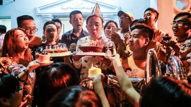 Hari Won thể hiện sự hài hước mừng sinh nhật ông xã Trấn Thành - 9