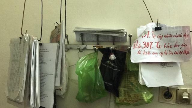 Những năm tháng đi kiện, căn phòng ông Nam chất đầy hàng ngàn tư liệu, lá đơn...