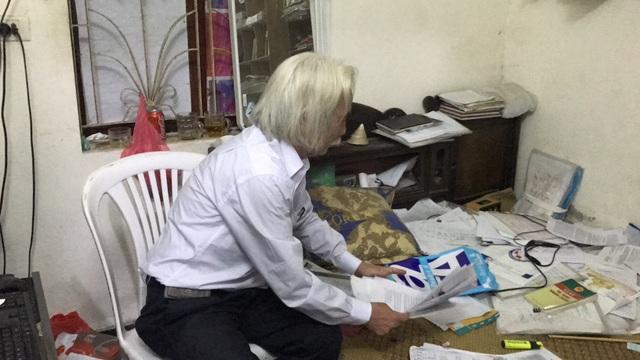 Ông Nam để nguyên một căn phòng để vừa làm việc vừa lưu trữ hồ sơ đi kiện đòi công lý.