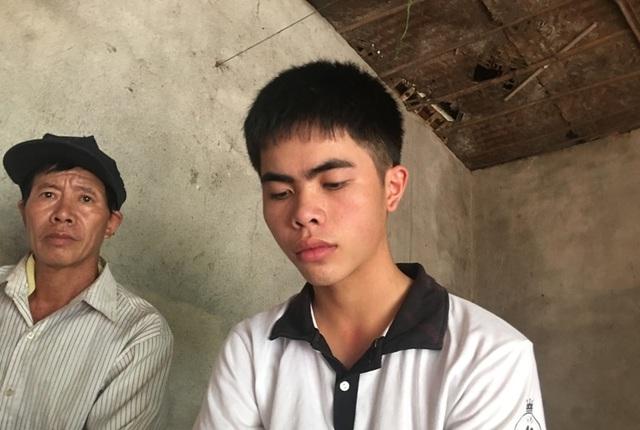 Em Lê Hữu Hiếu - học sinh trường THPT Yên Định 1 giành 30 điểm khối B.