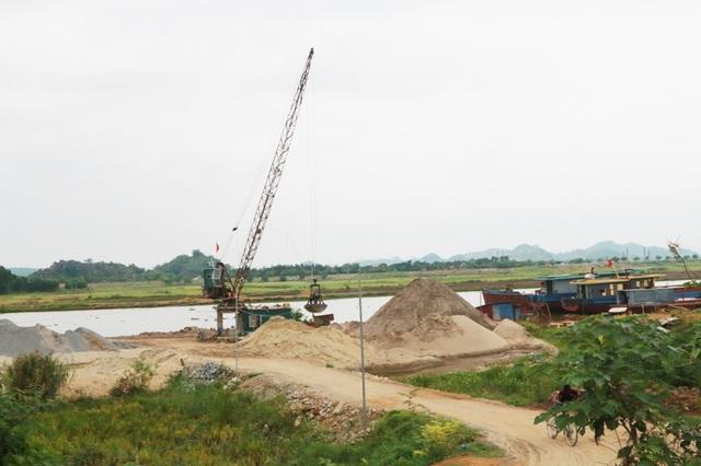 Một mãi cát lậu tồn tại nhiều năm trên địa bàn xã Gia Trung, huyện Gia Viễn.