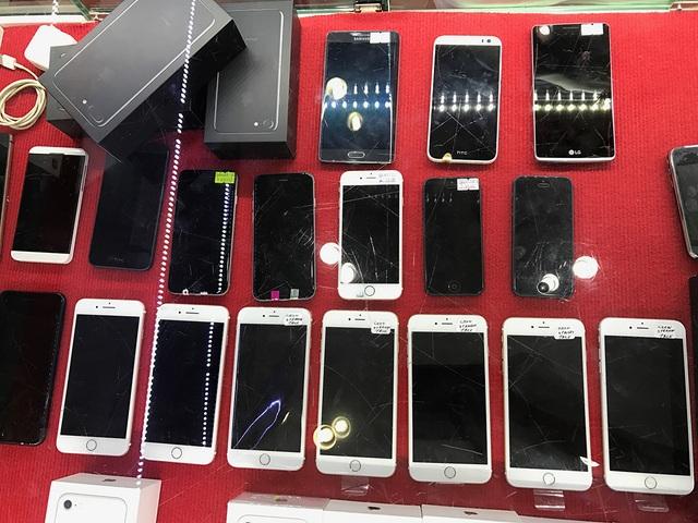 Mặt hàng iPhone cũ đang hút khách