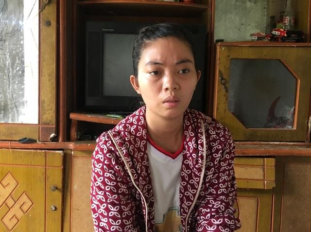 Em Lê Thị Long, thôn 2, xã Định Liên, huyện Yên Định có bố tầm thần, em trai nằm một chỗ.