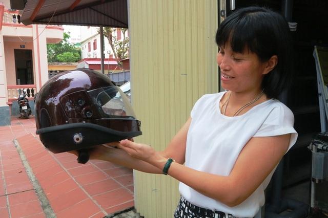 Mũ bảo hiểm tự cầu cứu, tự lọc không khí của Bảo và Anh có tính ưu Việt, ứng dụng cao trong đời sống.