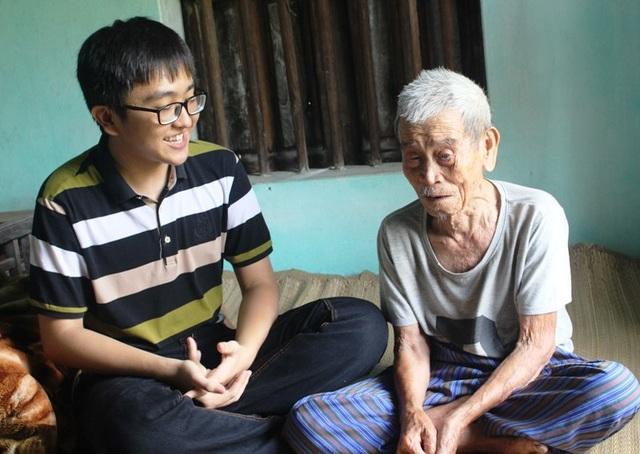 Hải Đăng chia sẻ niềm vui với ông nội