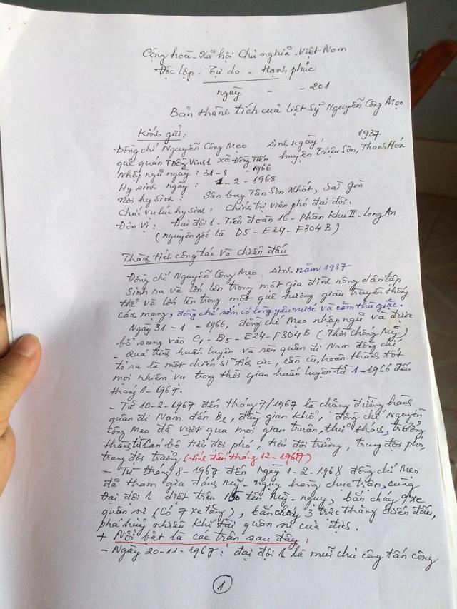 Bản tài liệu thành tích của liệt sĩ Nguyễn Công Mẹo mà ông dày công sưu tập, tìm hiểu, chấp bút để xin truy tặng danh hiệu Anh hùng cho đồng đội mình