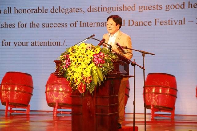 Ông Vương Duy Biên - Thứ trưởng Bộ VH,TT&DL phát biểu khai mạc liên hoa Múa quốc tế năm 2017.