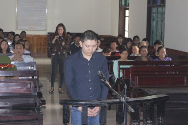 Ngoài 2 tội danh  Giết người, Cướp của, Nguyễn Văn tiến còn bị truy tố thê tội danh Dâm ô với trẻ em
