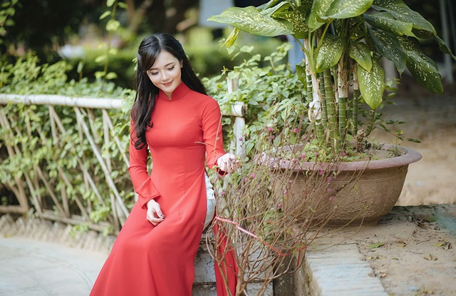 Lê Thu Hương - hot girl mặc đồ dân tộc nổi tiếng trên mạng