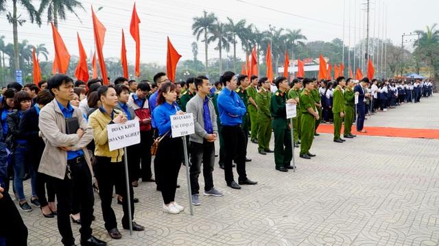 2.000 Đoàn viên thanh niên tỉnh Hà Nam tham gia Lễ phát động tại Sân Trung tâm văn hóa tỉnh, thành phố Phủ Lý, tỉnh Hà Nam