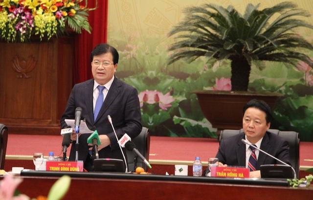 Phó Thủ tướng Trịnh Đình Dũng chỉ đạo tại hội nghị sáng 9/1.
