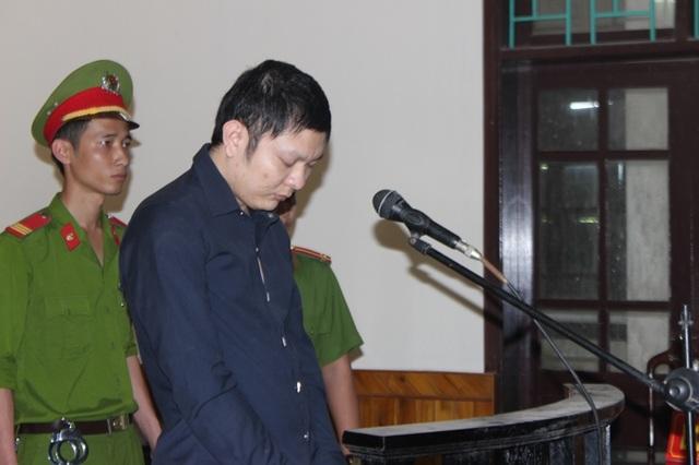 Gương mặt Nguyễn Văn Tiến trắng bệch khi nghe HĐXX tuyên án