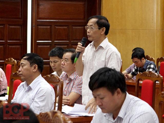 Ông Nguyễn Văn Tuyến - Phó giám đốc Sở TN&MT tỉnh Bắc Giang đã có trao đổi thông tin ngay tại cuộc họp.