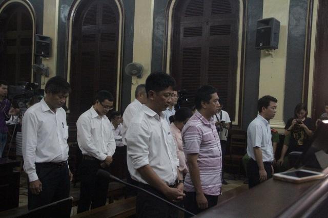Các bị cáo trong vụ án VN Pharma lãnh án về tội buôn lậu.