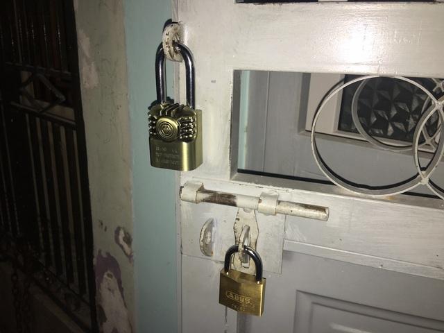 Người dân Sài Gòn ngại nhất đạo chích nên luôn khóa cửa cẩn thận