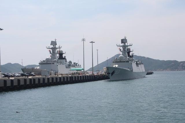 Tàu Hải quân Trung Quốc neo đậu ở Cảng Quốc tế Cam Ranh
