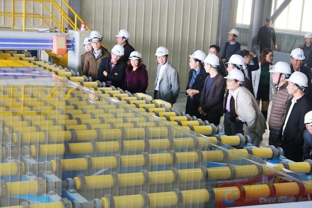 Nhà máy kính CFG Ninh Bình xuất sản phẩm kính đầu tiên ra thị trường - 2